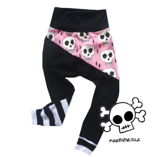 Rad skull leggings by Punk Baby